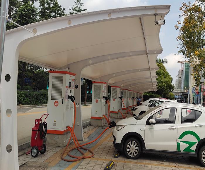 充电桩膜结构车棚多少钱?